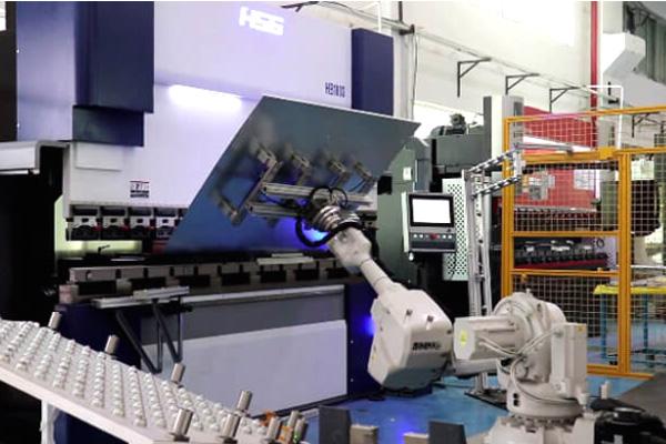 "LINGTECH & HSG ▏""智能工厂改造"",自动化设备开发与钣金柔性生产新体验"